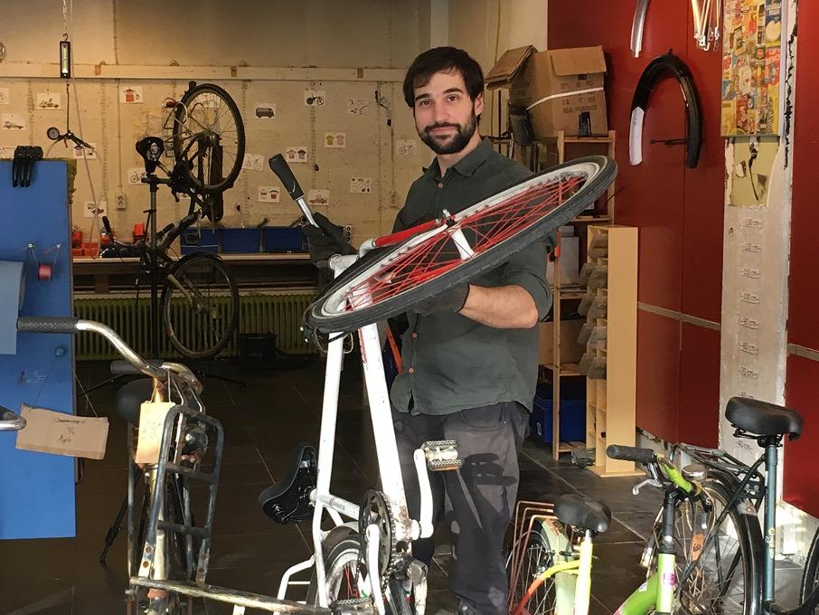 Student-ondernemer Jordan Iliev - Cheap Bike Shop