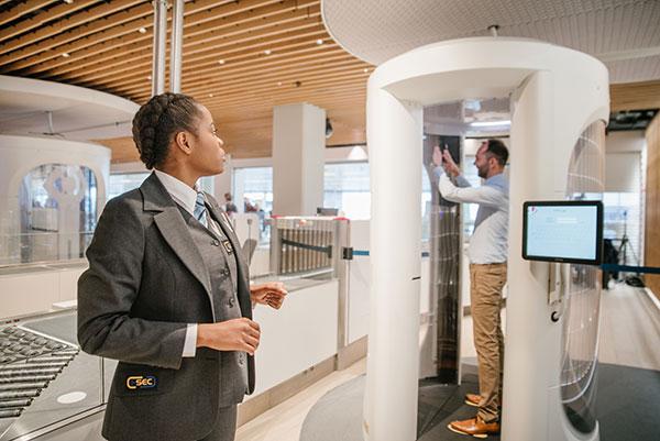 Werk op Schiphol - Security host