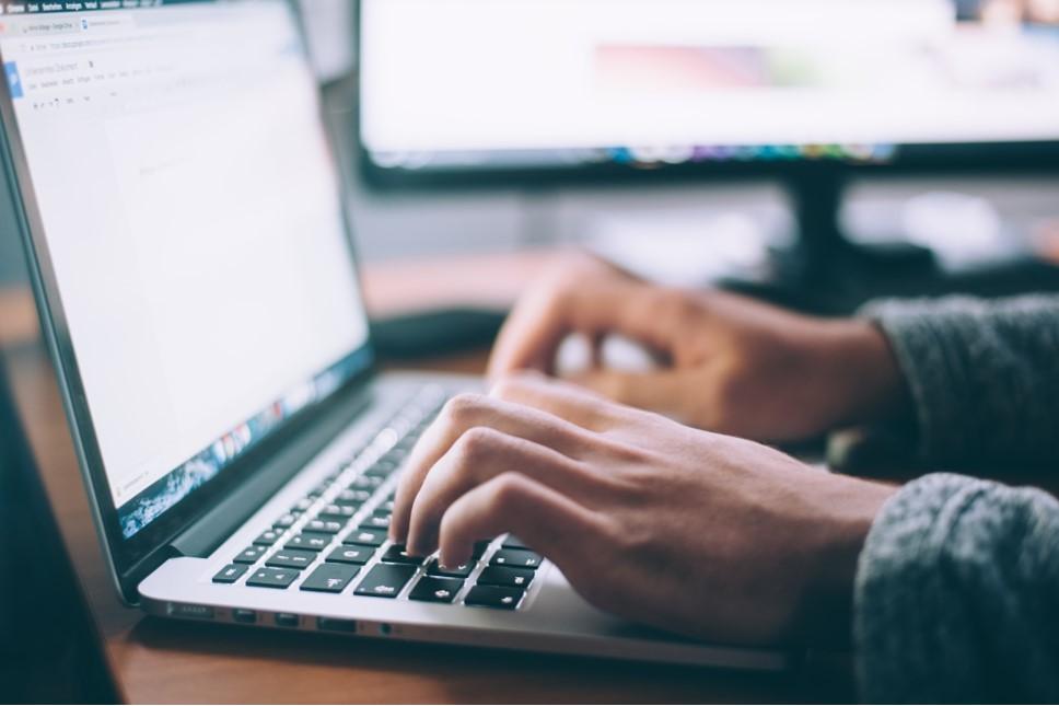 4 Manieren om online geld te verdienen
